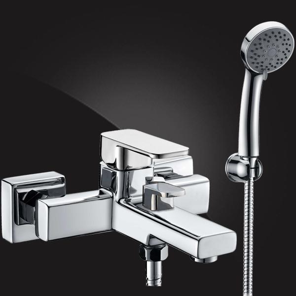 Смеситель Elghansa MONDSCHEIN 2320235 для ванной однорычажный с душевым комплектом, хром